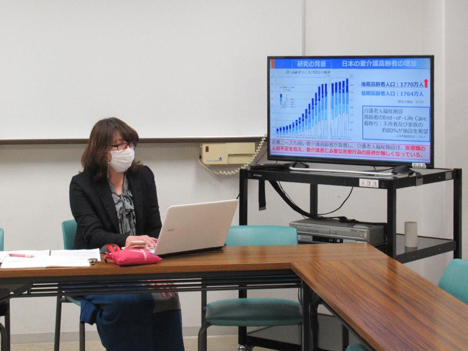 【人間社会学研究科】地域マネジメント専攻内博士論文中間発表会が行われました。